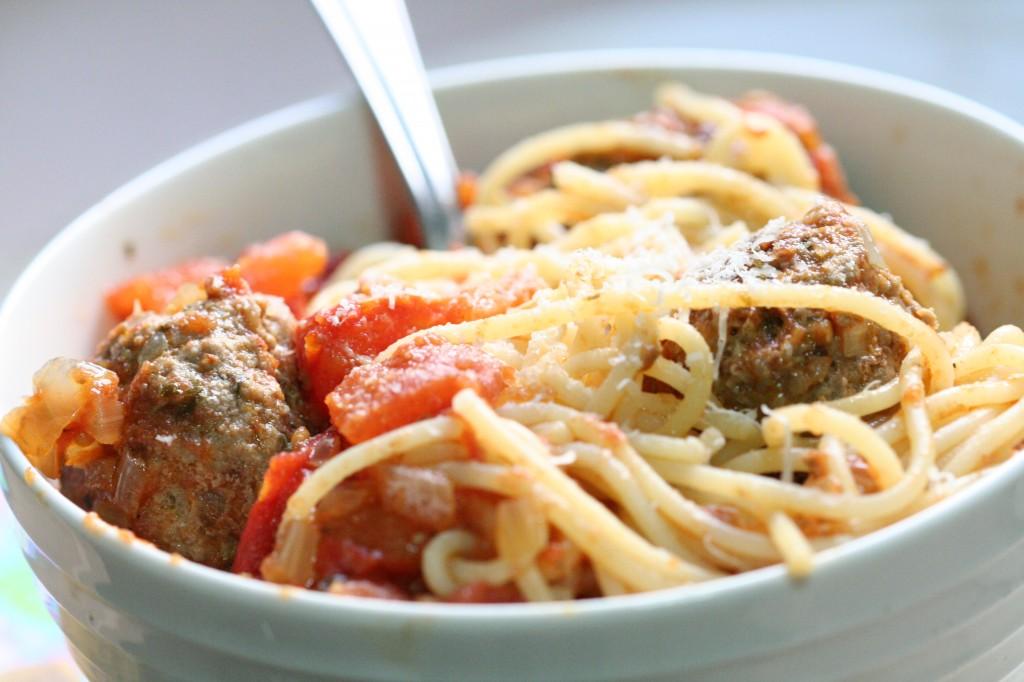 ספגטי עם כדורי בשר ישמח לבב אנוש