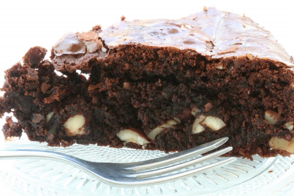 עוגת שוקולד, קלה להכנה, טעימה לאכילה - מוכנה